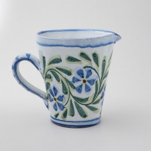 Rambling Rose Jug by Manuela Gonçalves.
